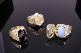 rings that secretly hide a pill