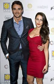 Jessica Lowndes shows ex-boyfriend what he's been missing with ...