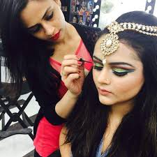 makeup studio training center mumbai