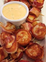 Super Easy Bacon Wrapped Scallops with ...