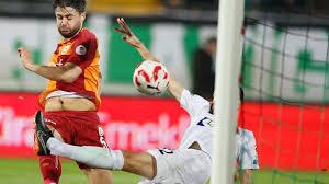 Konyaspor'a yeni stoper! Ahmet Çalık yarın imzalıyor - Yeni Meram