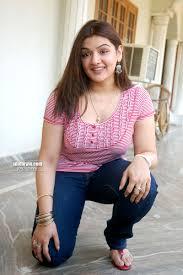 Aarti Agarwal's Feet << wikiFeet