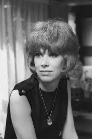 1960s hair and make-up. Wendy Craig in 1964. | Vintage hairstyles, Hair,  1960s hair