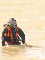 Kanawha deputies, CPD officers team up for underwater training | WCHS