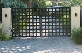 38126550eb4cb16a2656cfe39208be7f Jpg 900 582 Pixels Modern Gate Gate Design Metal Gates Design
