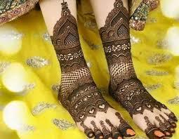 Stylish Marriage Bridal Mehndi Design For Legs