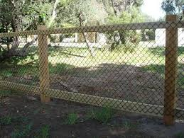 29 Simple Cheap Temporary Fencing Ideas Temporary Fencing Ideas Diy Dog Fence Cheap Fence Diy Garden Fence