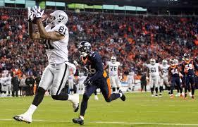 Poll: Should the Oakland Raiders trade Mychal Rivera?