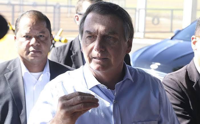 """Resultado de imagem para bolsonaro na portaria do alvorada dia 9 de novembro"""""""