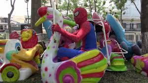 NHẠC THIẾU NHI TIẾNG ANH SÔI ĐỘNG - Người Nhện đi khu vui chơi trẻ em trong  công viên - YouTube
