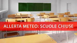 Allerta meteo, domani scuole e parchi chiusi a Napoli