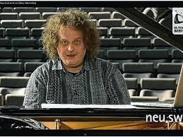 """Neubrandenburg - """"Skyfall"""" und mehr: Wie Chefdirigent Malzew Pop ..."""