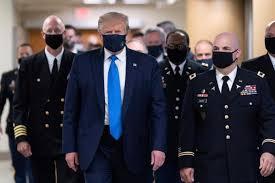Donald Trump, por fin con mascarilla: los mejores memes en las redes