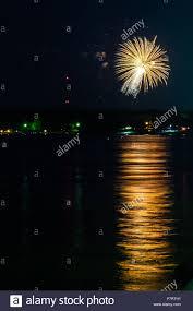 Fireworks over Grand Lake in Disney ...