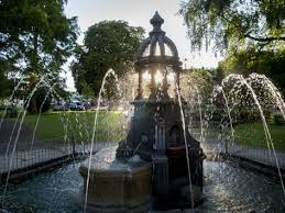 Ada lewis trough in Maidenhead is illuminated from behind by the ...