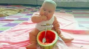 أجمل صور الاطفال مضحكة جدا لقطات و قفشات الصغار