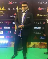 IIFA Awards 2018: Arjun Kapoor suits up, adds a scarf and nerdy ...