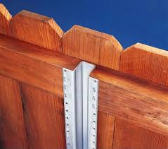 Metal Or Wood Which Privacy Fence Posts Are Best Wood Post Puller