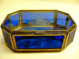 trinket box 8 sided cobalt blue etched