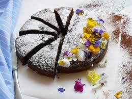 Il dolce per la festa della mamma: torta cioccolato e banane