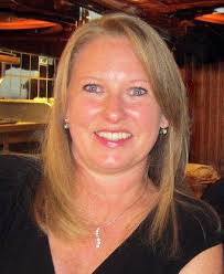 Meet Lisa Smith, Program Coordinator, Dept. of Microbiology and Immunology  | Research and Innovation