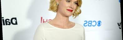 Blue Bloods': Abigail Hawk Tells Us What She Really Thinks of ...