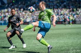Brad Smith makes MLS Team of the Week as agent discusses future - Sounder  At Heart