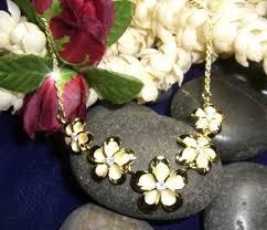 hawaiian jewelry plumeria