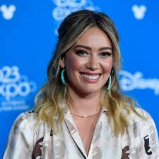 Hilary Duff Shares Makeup Tips, Including How to Contour Your Nose ...