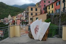 File:Monument to Fabrizio de André in Manarola.jpg - Wikipedia