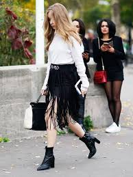 see how to wear a fringe skirt and