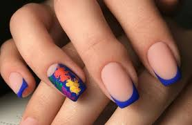 Сині квіти на нігтях. Синий маникюр: варианты, идеи и сочетания