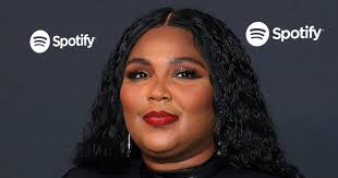 lizzo looks incredible makeup free