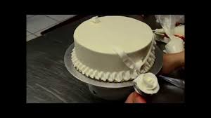 how to decorate simple birthday cake in