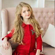 بنات راقية عارضة الأزياء Anheline عمرها 12 سنة يالجمالها Facebook