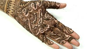 simple front right hand mehndi design