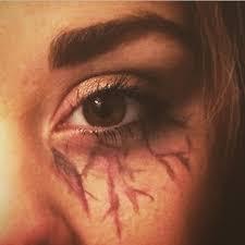 vire halloween eye makeup