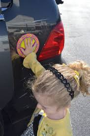 Great Idea A Sticker Of A Hand Decal For Your Car Great For When You Have To Get Multiple Children Out Of The Car Parenting Kids Parenting Hacks