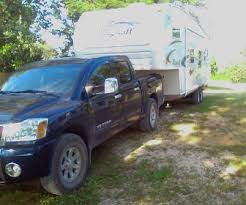 slider fifth wheel hitch towing a