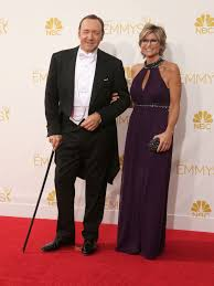 Kevin Spacey went to the Emmys with Ashleigh Banfield and ... a cane?
