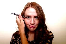 eye open when you apply eye makeup