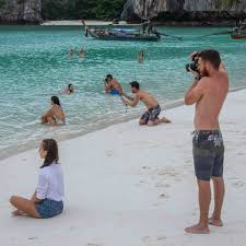 funny beach photos and pictures that