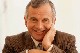 Ian Holm, Bilbo Baggins in 'Lord of the Rings' and 'Alien' star ...