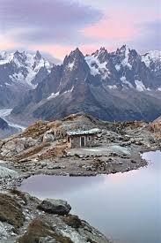 mont blanc mif sunrise lake hut