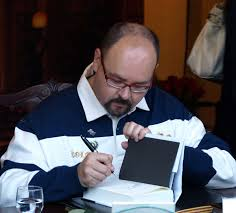 File:Carlos Ruiz Zafón - 001.jpg - Wikipedia