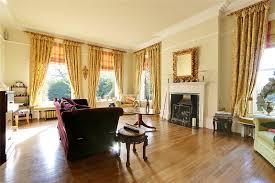 5 bedroom detached house in