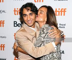 "𝐖𝐨𝐥𝐟𝐟 𝐔𝐩𝐝𝐚𝐭𝐞𝐬 on Twitter: ""𝐏𝐈𝐂𝐒/𝐓𝐇𝐑𝐄𝐀𝐃: Alex and  incredible mom Polly Draper at the Toronto International Film Festival for  the premier of his movie Castle in the Ground. #TIFF #TIFF2019 #TIFF19…  https://t.co/7iLbhuXIwS"""
