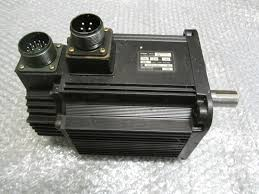 OMRON R88M-W1K315T-S2 AC Servo Motor 1300Watt 8.34N.m 10.7Amp ...