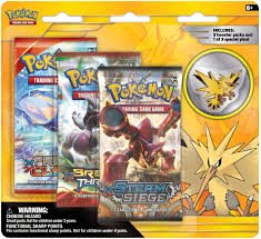 Amazon.com: Pokemon TCG: Legendary Birds Blister Pack Containing 3 Booster  Packs and Featuring Either A Zapdos, Articuno, Or Moltres Collector's Pin:  Toys & Games