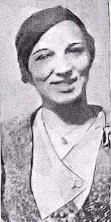 Edythe Polly Hamilton Black was the last girlfriend that John Dillinger  had. She was there with him when he got shot (some would argue e…   Get  shot, John, Gangster